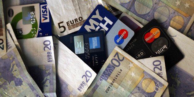 Έναν κόσμο χωρίς μετρητά αλλά με πλαστικό χρήμα προτείνουν Γερμανοί
