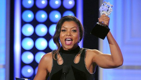 Critic's Choice TV Awards: Οι νικητές και οι σταρ που εντυπωσίασαν στο κόκκινο