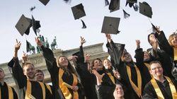 11χρονος αποφοίτησε από το Κολλέγιο με τρία