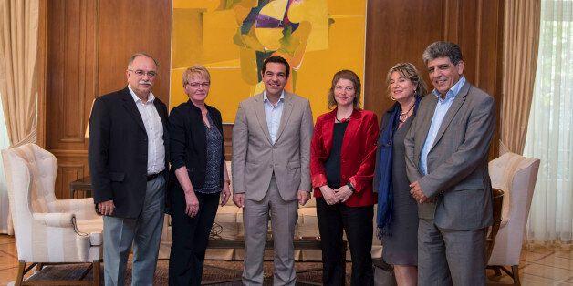Συνάντηση Τσίπρα με το Προεδρείο της Ευρωομάδας της Αριστεράς: «Κάνουμε τα πάντα για να μείνει η Ευρώπη