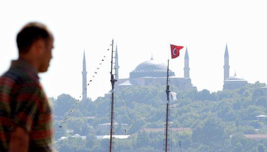 Έλληνες της Κωνσταντινούπολης μιλάνε για τις τουρκικές