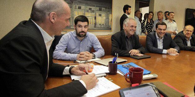 Κρίσιμη σύσκεψη Μέρκελ,Ολάντ και Γιούνκερ στο