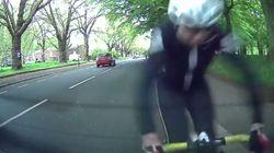 Όταν ένας ποδηλάτης τρακάρει με παρκαρισμένο εκπαιδευτικό