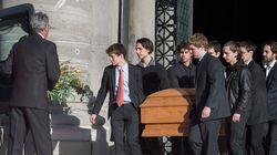 Des centaines de personnes aux funérailles de Bernard