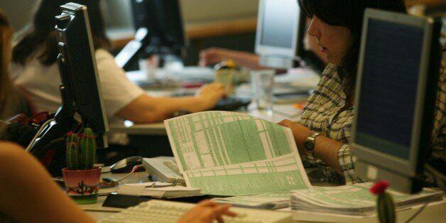 Οικονομικό Επιμελητήριο: Μεταθέστε την καταληκτική προθεσμία για τις φορολογικές