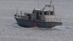 Σκάφος με 45 μετανάστες νότια των
