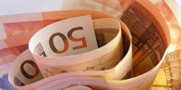 Bloomberg: Μαθήματα για την ελληνική οικονομία από 70 χώρες που έφυγαν από νομισματικές