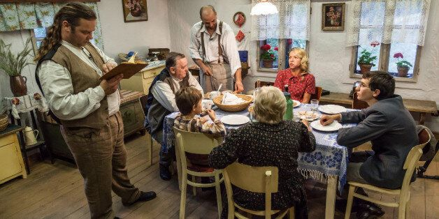 Οικογένεια που ζει υπό την κατοχή των Ναζί....σε reality