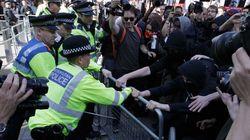 Λονδίνο: Μικροεπεισόδια σε διαδήλωση κατά του