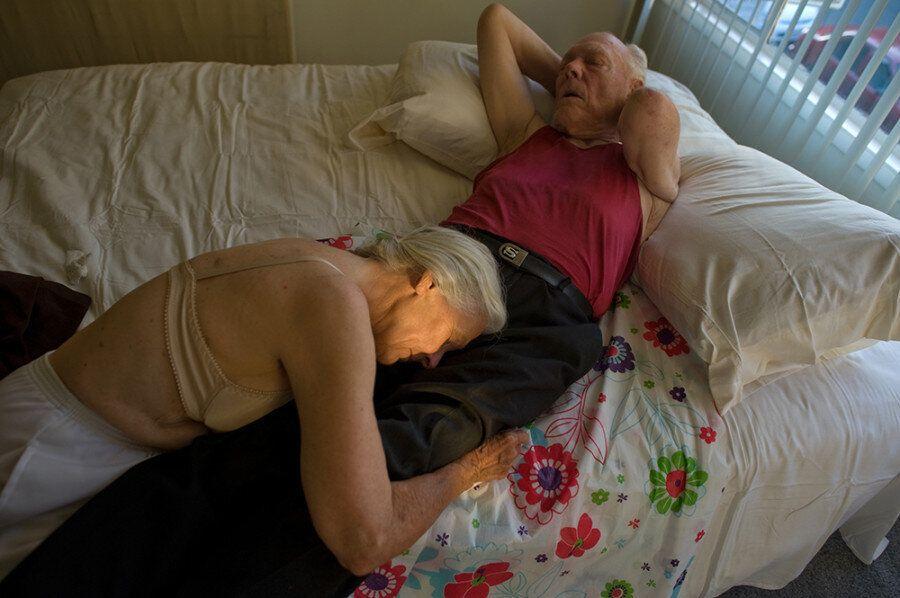 8 καλλιτέχνες εξερευνούν την ομορφιά που κρύβουν τα σώματα των ηλικιωμένων