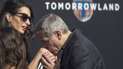Ο δικός σας σύζυγος σας φιλά το χέρι δημοσίως; Γιατί ο Clooney δεν έχει