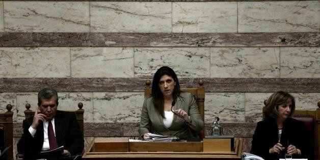 Απόσυρση τριών τροπολογιών ζήτησε η Κωνσταντοπούλου, μεταξύ αυτών και για τη