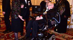 Stephen Hawking: Η ανθρωπότητα δεν θα επιζήσει για άλλη μια χιλιετία πάνω στη