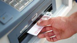 Διαχειρίσιμες οι εκροές καταθέσεων, εκτιμούν οι τράπεζες. Ανέφικτος ο στόχος χρηματοδοτήσεων 10 δισ. προς νοικοκυριά και