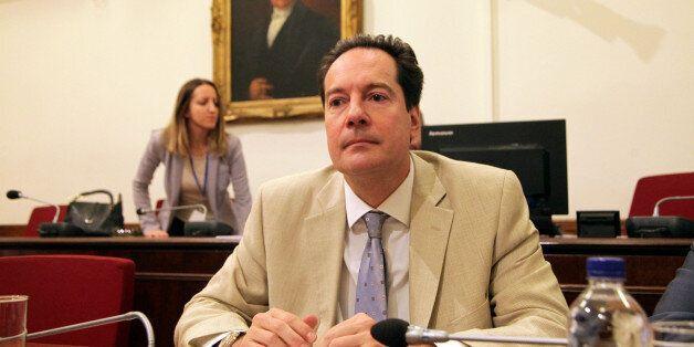 Την παραίτηση του προέδρου της Επιτροπής Κεφαλαιοαγοράς, Κώστα Μποτόπουλου φέρεται να ζήτησε ο