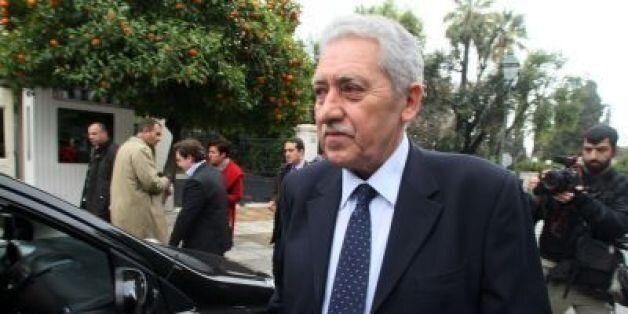 Κάποιοι από την Ελλάδα έδιναν στοιχεία στην τρόικα την περίοδο της συγκυβέρνησης, καταγγέλλει ο Φώτης
