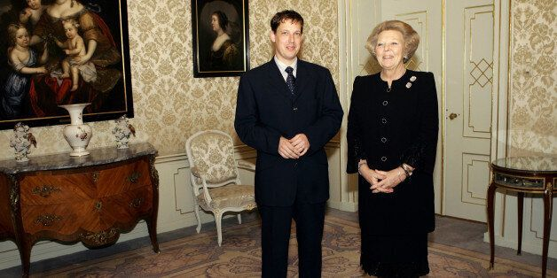 Czech Prime Minister Stanislav Gross, left, and Dutch Queen Beatrix during a meeting at the royal palace...