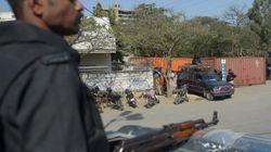 Πακιστάν: Έκαψε τη γυναίκα του ζωντανή επειδή δεν είχε καταφέρει να μείνει