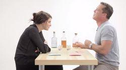 Νέοι παίζουν παιχνίδι ερωτήσεων σεξουαλικού περιεχομένου με τους γονείς