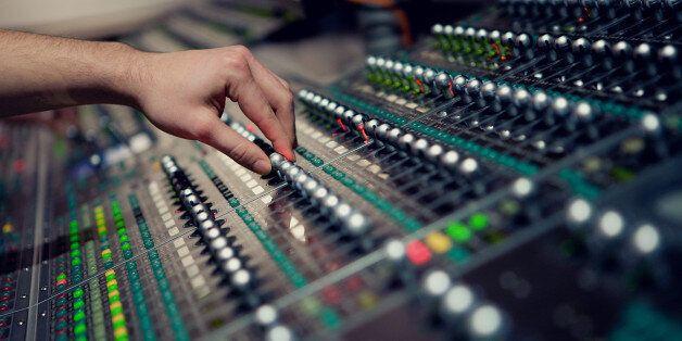Η Νορβηγία θα είναι η πρώτη χώρα που θα αντικαταστήσει τα FM με το web