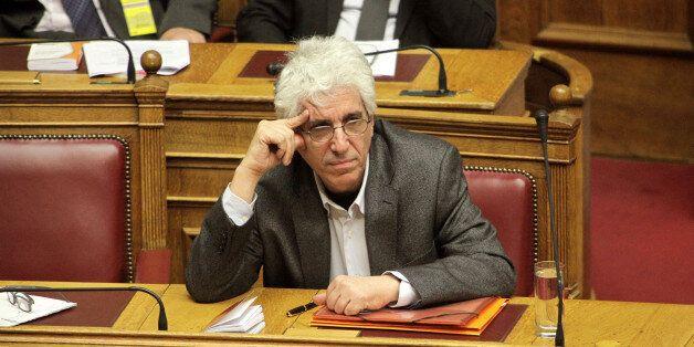 Παρασκευόπουλος: Από 11 Μαΐου η υποβολή αιτήσεων για «βραχιολάκι». Δεν αποφυλακίζεται όποιος αρνηθεί...