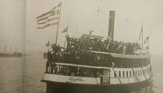 O Φώντας Λάδης ερευνά τις ιστορίες των Ελλήνων μεταναστών στην
