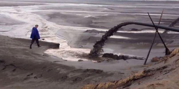 Εσείς είχατε σκεφτεί ότι η πράσινη τεχνολογία μπορεί να μην είναι και τόσο ''αθώα''; Η τοξική λίμνη σε...