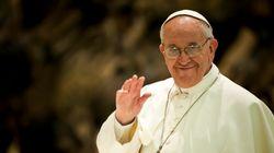 Σε δίαιτα ο Πάπας Φραγκίσκος με εντολή γιατρού. Πάχυνε λόγω πίτσας, γλυκών και έλλειψης