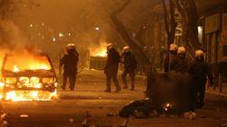 Οδομαχίες αστυνομικών- αντιεξουσιαστών στους δρόμους γύρω από το Πολυτεχνείο και τα