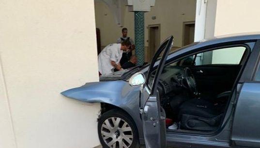 France: Un homme fonce en voiture sur la mosquée de Colmar, aucun