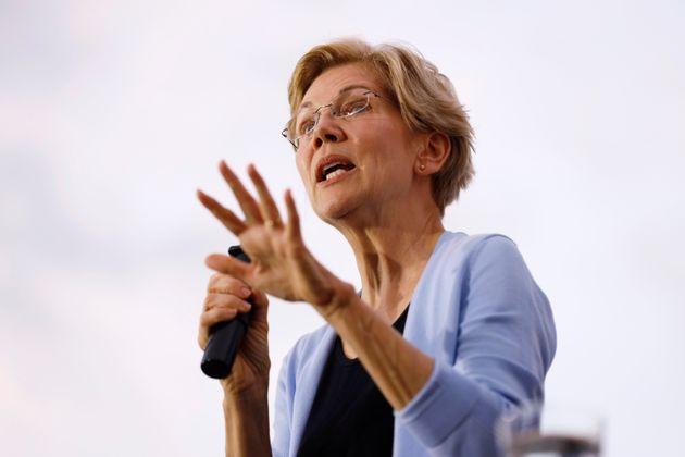 Democratic presidential candidate Sen. Elizabeth Warren speaks at a town hall meeting, Thursday, Sept....