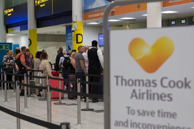Thomas Cook fait faillite et doit rapatrier 600.000 touristes (photo d'illustration à l'aéroport...