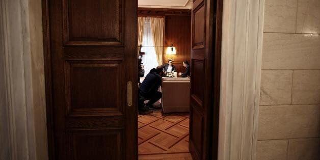 Η συμφωνία παράτασης της δανειακής σύμβασης έχει υπογραφεί από τον Βαρουφάκη και θα έρθει στη Βουλή προς...