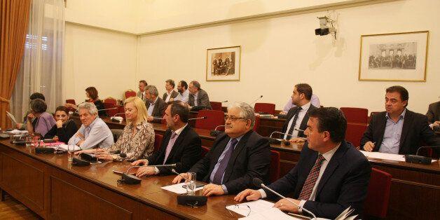 Οργισμένος διάλογος Κωνσταντοπούλου -Κυριαζίδη περί της «εισβολής» στη Βουλή κατά τη συνεδρίαση