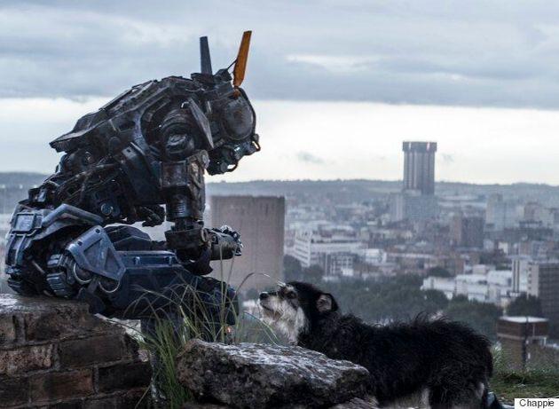 «Είμαστε κακομαθημένοι»: Ο Hugh Jackman μιλά για το «Chappie», την ρουτίνα του ηθοποιού και... για το...