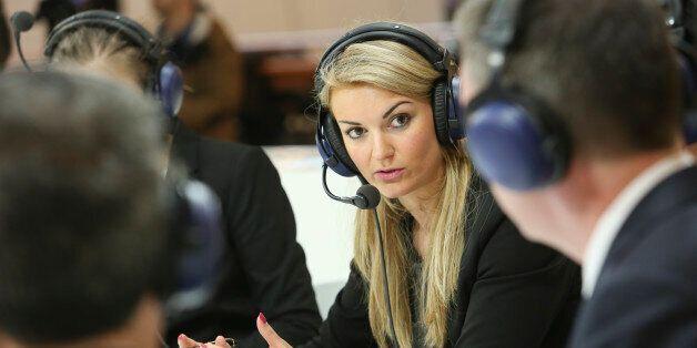 Η Κομισιόν επιβεβαιώνει συναντήσεις ελληνικών αρχών με θεσμούς για την εξειδίκευση της λίστας