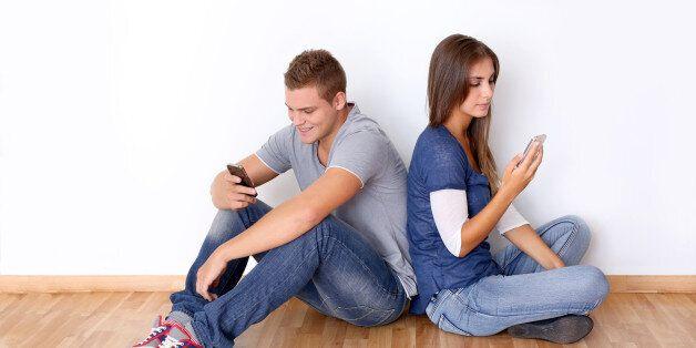 Aπεξάρτηση τώρα! 5 τρόποι για να μάθετε να ζείτε χωρίς το κινητό