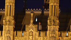 Ανέβηκε στη στέγη του βρετανικού Κοινοβουλίου χωρίς κανείς να τον