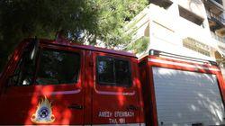 Φωτιά σε διαμέρισμα στο Χαλάνδρι. Η ένοικος έπεσε από το μπαλκόνι και