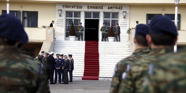 Έκτακτες κρίσεις Αξιωματικών Σωμάτων Στρατού Ξηράς. Ποιοί προάγονται στο βαθμό του