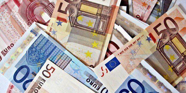 Reuters: H έλλειψη ρευστότητας μπορεί να εξαναγκάσει την Ελλάδα σε χρήση χρημάτων του