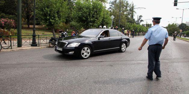 Αρνήθηκαν το βουλευτικό αυτοκίνητο ο Σταύρος Θεοδωράκης και άλλοι τέσσερις βουλευτές του