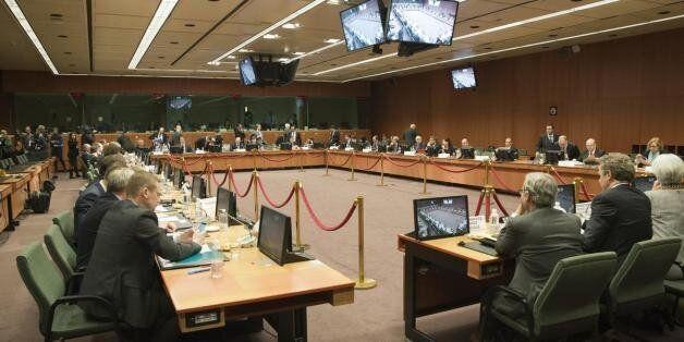 Μαξίμου: Αρχίζει η εφαρμογή της απόφασης της 20ης