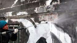 Άρχισε ο καθαρισμός του γκράφιτι στο