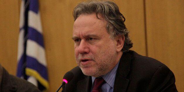 Κατρούγκαλος: Επιταχύνονται οι διαδικασίες για την επιστροφή των απολυμένων στο