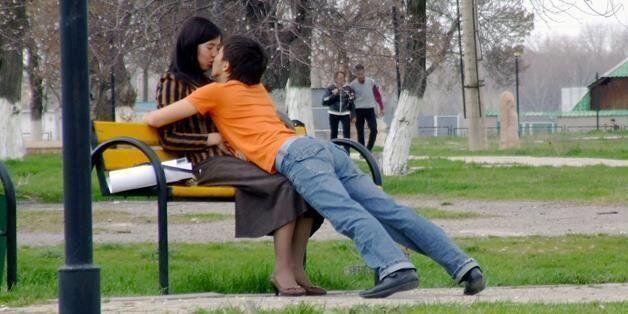 11 ζευγάρια για τα οποία το φιλί δεν είναι εύκολη