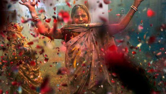 Χόλι, η ινδουιστική γιορτή των χρωμάτων και του