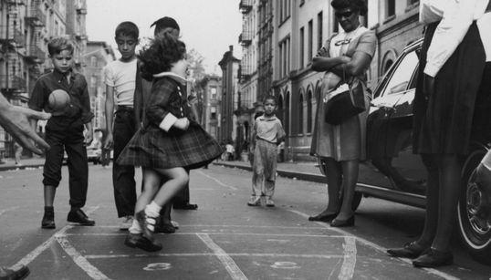 Vintage φωτογραφίες: Εποχή της αθωότητας, έτσι διασκέδαζαν τα παιδιά πριν το