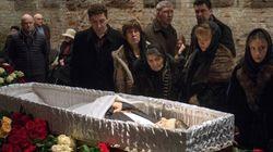Κοσμοσυρροή στην κηδεία του Νεμτσόφ - Παρόντες χιλιάδες Ρώσοι και ξένοι