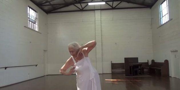 Στα 100 της χρόνια, η Eileen Kramer είναι μία από τις γηραιότερες χορογράφους στον